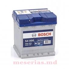 Аккумулятор 12V 44AH 420A Bosch S4 Silver 0092S40001